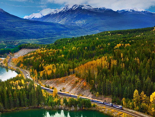 Canadian-Rockies-Getaway-Circle-with-Sonora-Resort1.jpg