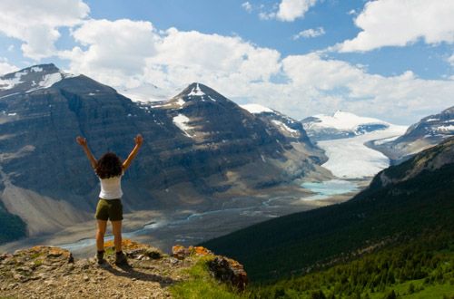 jasper-mountains-girl.jpg